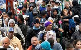 Lo biên giới đóng cửa, hàng nghìn người Venezuela vượt núi di cư