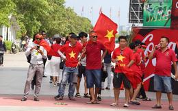 Ít phút trước trận bán kết ASIAD 2018 Việt Nam - Hàn Quốc, cổ động viên cả nước đồng lòng hướng về thầy trò ông Park