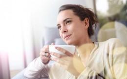 10 thói quen buổi sáng đặc biệt quan trọng giúp giữ trí óc tỉnh táo suốt ngày dài làm việc