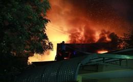 90 phút khống chế ngọn lửa bao trùm 10 căn nhà trên phố Hà Nội