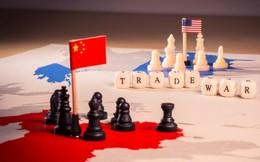 """Người Mỹ phải trả giá """"từ đầu đến chân"""" trong cuộc chiến thương mại"""