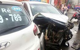 Ford Everest gây tai nạn liên hoàn, nhiều ô tô biến dạng