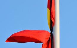 Cách treo cờ rủ đúng quy định trong Lễ Quốc tang