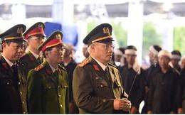 Hơn 600 đoàn đại biểu viếng Chủ tịch nước Trần Đại Quang tại quê nhà