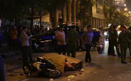 Nóng: Thanh sắt giàn giáo rơi xuống đường Lê Văn Lương đè trúng xe máy đang lưu thông, 1 cô gái tử vong