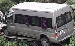 Xe cứu hộ chở ô tô khách 16 chỗ lao xuống vực, 2 người tử vong