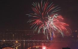 Chùm ảnh: Người dân Đà Nẵng và Sài Gòn mãn nhãn trước loạt pháo hoa đẹp rực rỡ mừng năm mới 2018