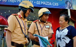 Nhiều người Sài Gòn không biết đi bộ sai luật có thể bị phạt tù đến 15 năm