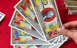 Tờ tiền 2 USD in hình chó mạ vàng bị đẩy giá lên 2,5 triệu đồng vẫn hút khách