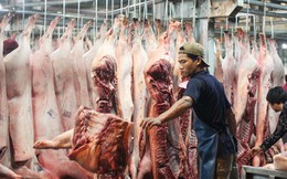 """Thịt lợn vẫn đang bị """"làm giá"""""""