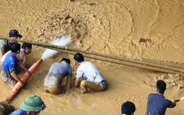 Cận cảnh tiếp cận 2 phu vàng mắc kẹt trong hang