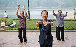 Economist: Người Việt Nam chưa kịp giàu đã già
