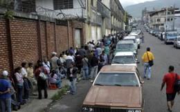 """Nghịch lý thiếu xăng ở """"vương quốc dầu lửa"""" Venezuela"""