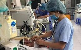 """Con 13 ngày tuổi bị nhiễm virus RSV, mẹ Việt cảnh báo: """"Đằng sau nụ hôn là cánh cửa bệnh viện"""""""