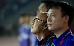Đừng tưởng chỉ là ông giáo Hàn Quốc đắp mặt nạ, massage chân cho học trò, thầy Park còn là quái kiệt qua những cơn nóng giận