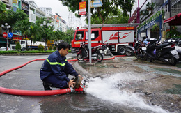 Hàng loạt hầm để xe ở Sài Gòn thành hầm chứa nước sau trận mưa lịch sử