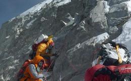 """Chuỗi cung ứng """"chết người"""" chinh phục đỉnh Everest của các Sherpa: 100 người leo thì 4 người bỏ mạng!"""