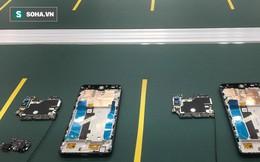 Clip: Robot lắp ráp điện thoại trong nhà máy của VSmart