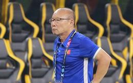 HLV Park Hang-seo lạnh lùng, đưa học trò về mặt đất ngay sau bàn thắng thứ 2