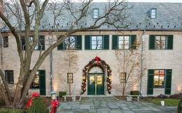 Choáng ngợp khung cảnh Noel ở các trường ĐH: Con nhà giàu sướng thật, đón Giáng sinh cũng chảnh hơn người!