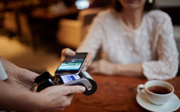 """Không chỉ phổ biến trong nước, người dân Trung Quốc còn mang công nghệ thanh toán bằng điện thoại """"bành trướng"""" ở các điểm du lịch nước ngoài."""