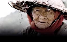 Một mẹ có thể nuôi lớn 10 con, nhưng 10 người con nuôi một mình mẹ không nổi? Câu chuyện về cụ bà khổ đau lúc cuối đời khiến ai cũng đau đáu không thôi!