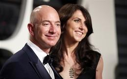 Tỷ phú Jeff Bezos và vợ ly dị sau 25 năm chung sống