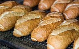 """Chuyên gia rùng mình với loại bánh mì nóng giòn được tẩm """"hóa chất lạ"""" để nở to, chín nhanh hơn: Ăn nhiều cẩn thận biến đổi gen, mắc ung thư"""