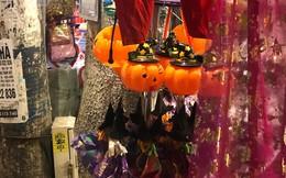 Sôi động thị trường đồ chơi Halloween, phù thủy, siêu nhân nhí xuất hiện
