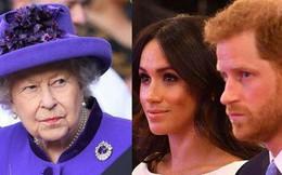 """Nữ hoàng Anh bày tỏ thái độ không hài lòng với vụ kiện """"thiếu khôn ngoan"""" của vợ chồng Meghan Markle"""