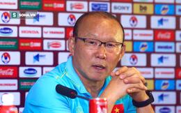 """HLV Park Hang-seo: """"Trợ lý HLV Thái Lan thỉnh thoảng lại cười mỉa tôi trong suốt trận đấu"""""""
