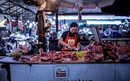 """Bloomberg: Lo ngại mâm cỗ Tết bị """"đe dọa"""", Việt Nam tăng mạnh nhập khẩu thịt lợn"""