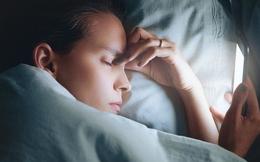 Bác sĩ nhắc nhở: Khi ngủ, không để 3 đồ vật này gần đầu giường, bằng không sẽ gây hại lớn tới sức khỏe
