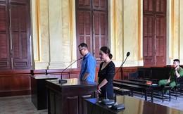 Lừa đảo chiếm đoạt tài sản ngân hàng, em chồng – chị dâu phải hầu tòa