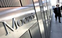 """Moody's hạ triển vọng của 18 ngân hàng Việt Nam xuống """"tiêu cực"""""""