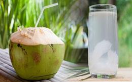 """Nước dừa giúp phụ nữ """"hồi xuân"""" và bất chấp hết bệnh tật nhưng đừng dại uống vào 5 """"thời điểm độc"""" này mà hại thân"""