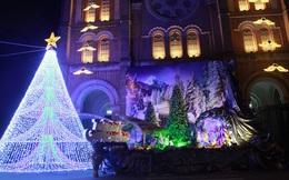 Người Sài Gòn tất bật chuẩn bị chào đón Giáng sinh