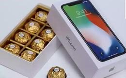 """""""Iphone X chỉ 400.000 đồng"""", giới trẻ sốt xình xịch tặng nhau dịp 14.2"""