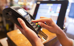 """""""Cào"""" sạch tiền từ thẻ tín dụng?"""