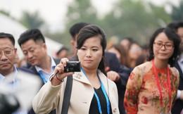Nữ ca sĩ quyền lực nhất Triều Tiên nếm thử ớt sạch tại Hải Phòng