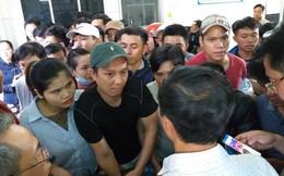 """""""Vỡ trận"""" tiêm vắcxin 6 trong 1 cho trẻ em tại Đà Nẵng"""
