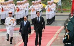 Lễ đón trọng thể Thủ tướng Hà Lan thăm Việt Nam tại Phủ Chủ tịch
