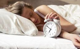 """Đâu chỉ thiếu ngủ mới làm tổn hại sức khỏe, ngủ quá nhiều cũng tiềm ẩn những nguy hiểm """"chết người"""" này mà bạn không biết!"""