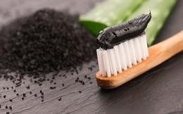Sốc: Kem đánh răng từ than hoạt tính không có tác dụng giúp trắng răng và bảo vệ răng khỏi bị sâu mà còn làm hại men răng