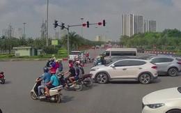 Clip: Vượt đèn đỏ, xe Range Rover gây tai nạn tại Hà Nội