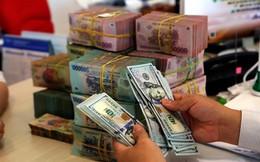 Giá đôla chợ đen chính thức vượt tỉ giá chính thức