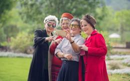 Bí mật từ những người sống thọ trên 100 tuổi có thể gây sốc với bất cứ ai sợ tuổi già: Đừng cố theo đuổi hạnh phúc, cứ thảnh thơi mà tận hưởng cuộc sống