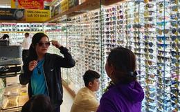 Sau đồng hồ, Thế giới Di động còn bày bán thêm kính thời trang
