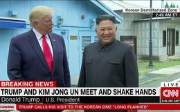 NÓNG: Ông Trump đi 20 bước lên lãnh thổ Triều Tiên, tạo nên LỊCH SỬ mới cho quan hệ Mỹ - Triều