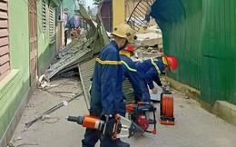Hà Tĩnh: Nhà sập khi đang sửa, có người bị vùi lấp dưới đống đổ nát